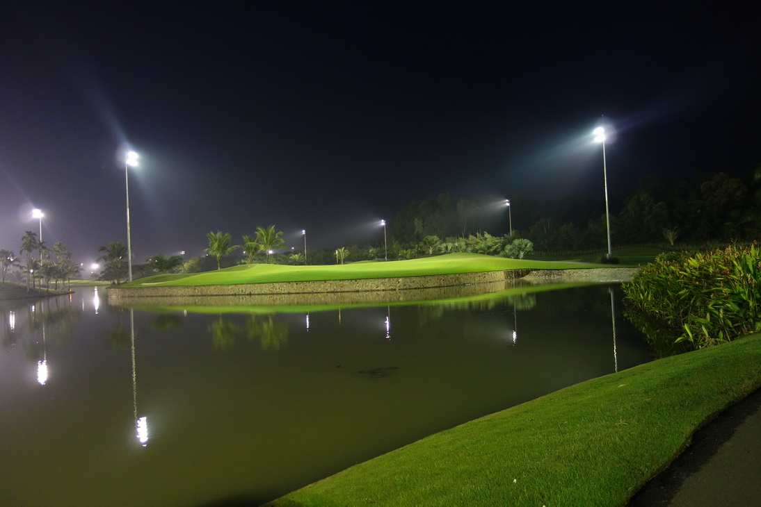 Golf in Vietnam Pros and Cons of Night Golf